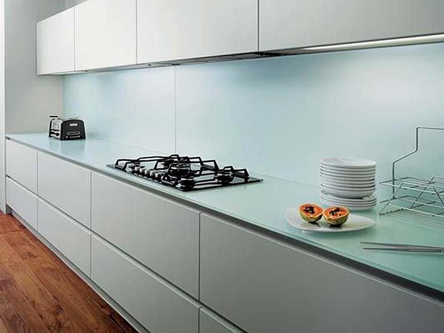 Virtuves paneļi no matēta stikla