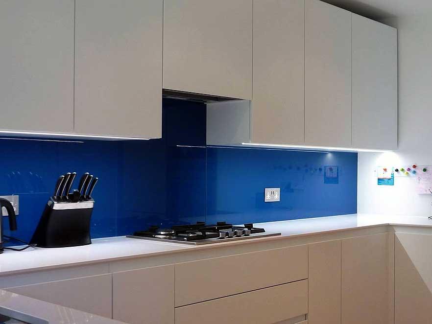 Virtuves sienas paneļi vienkrāsainie