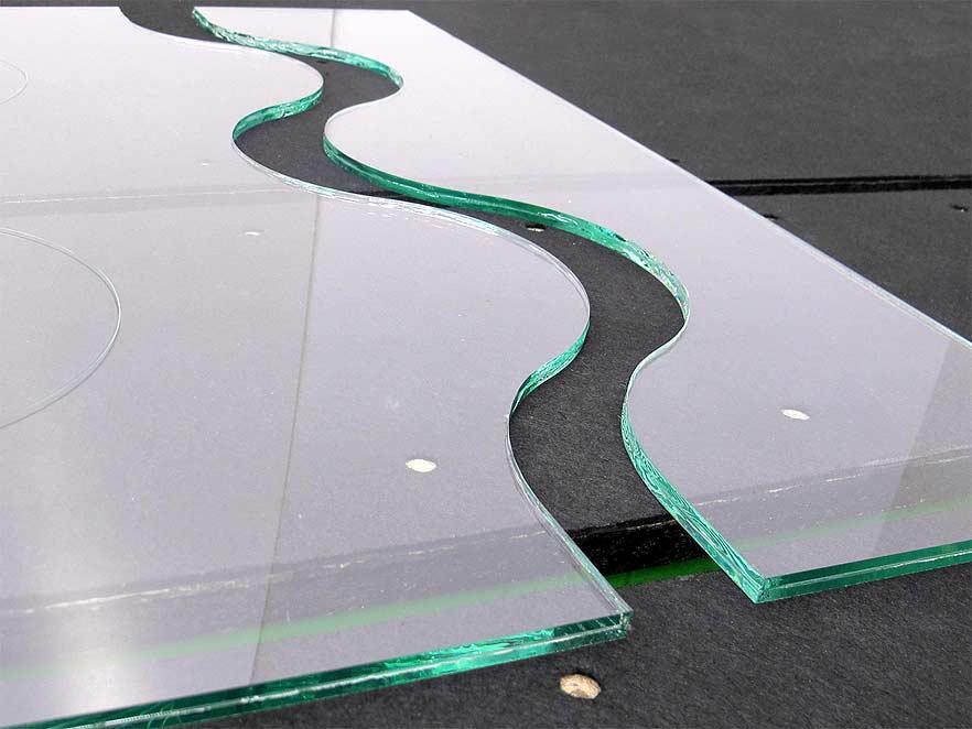 Stikla griešana