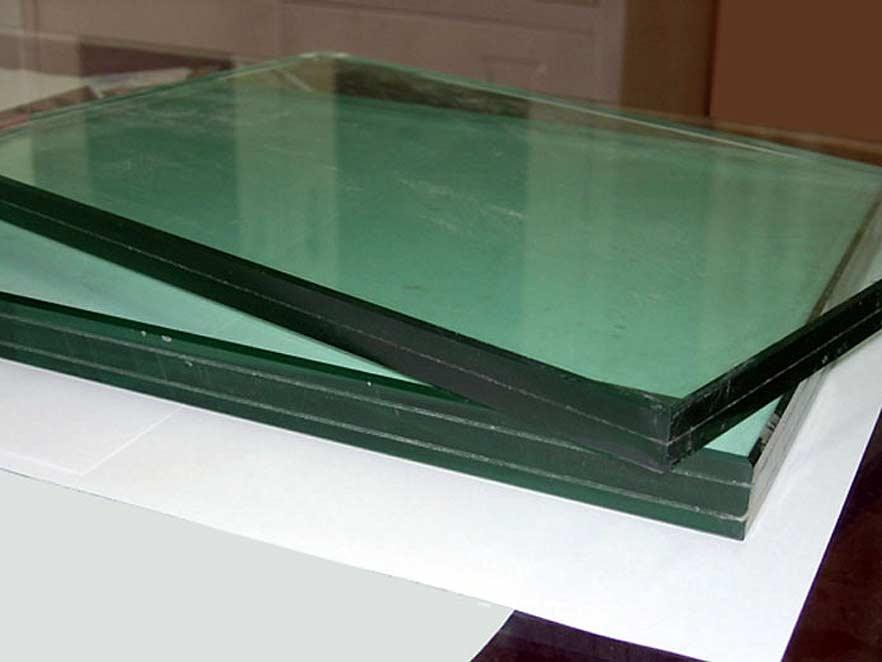 Triplekss (laminēts stikls)