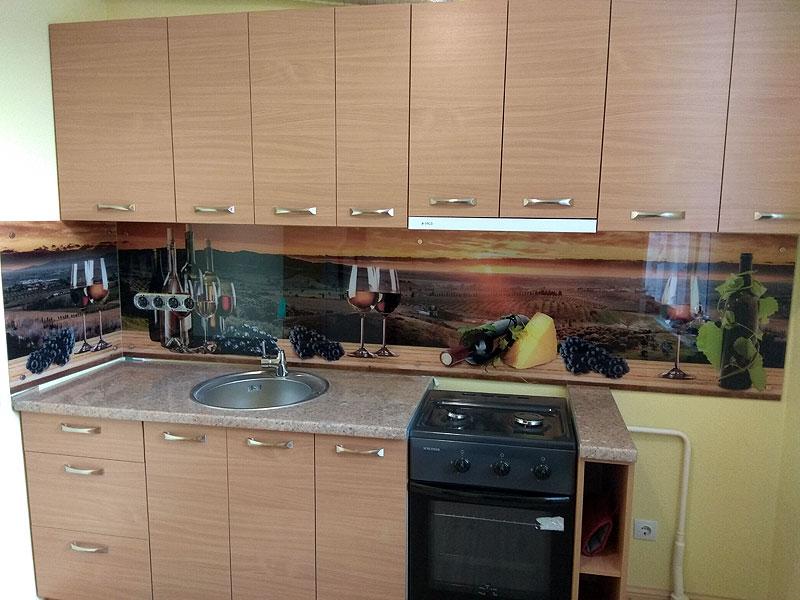 Vīna tematikas virtuves panelis