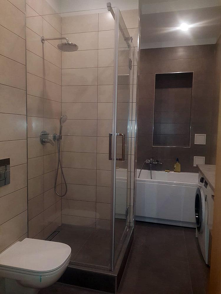 Caurspīdīga dušas kabīne pēc individuāla izmēra