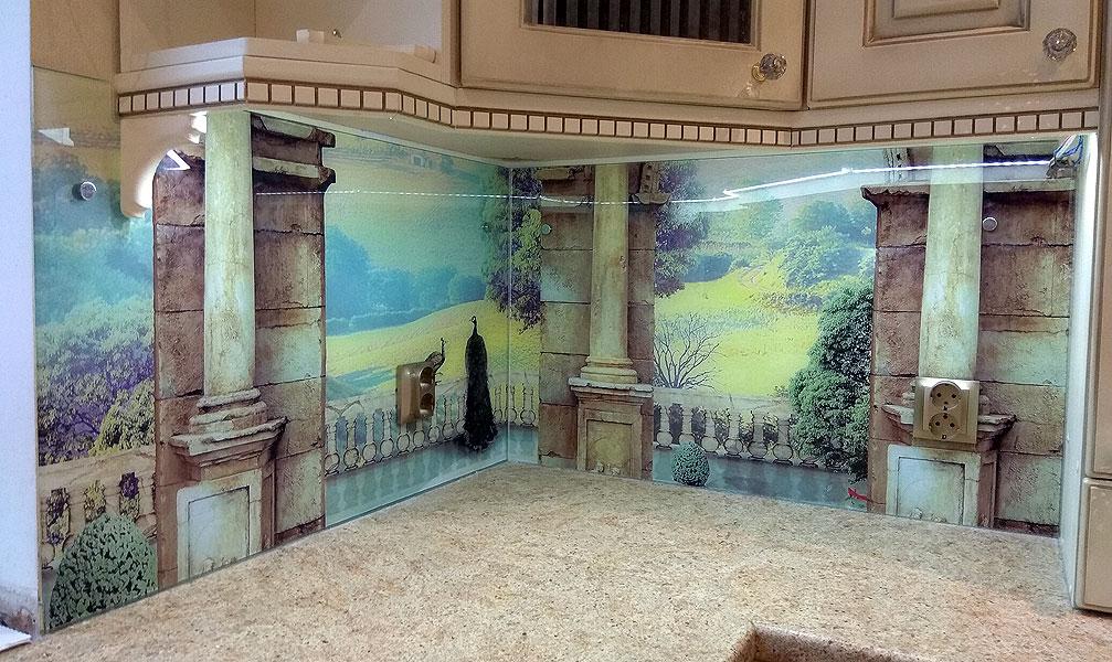 Панель из нескольких частей в античном стиле