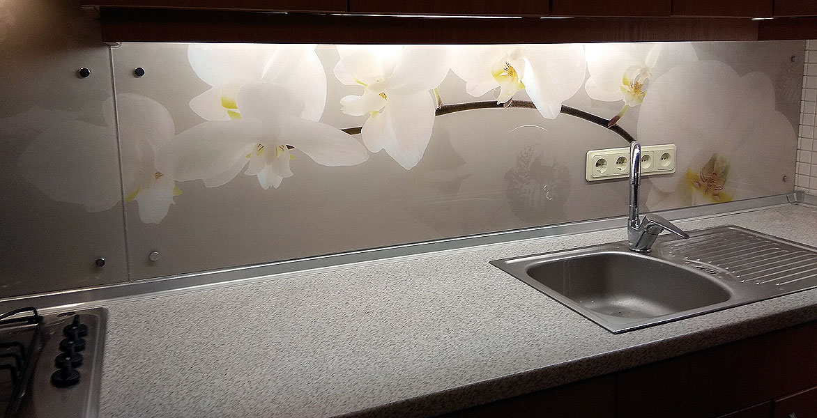 Panelis ar orhidejām