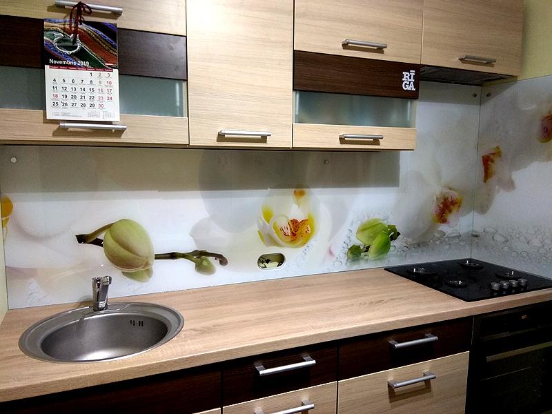 Кухонная панель с цветами