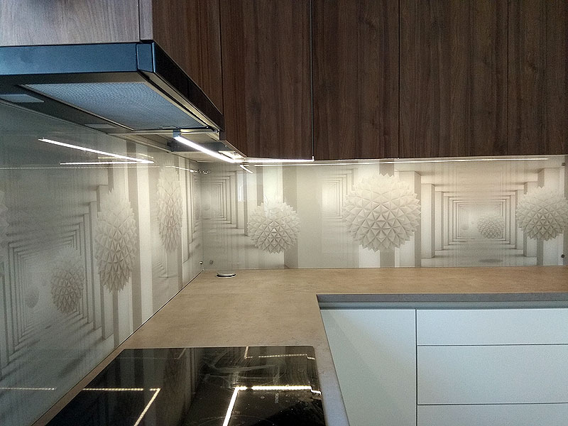 Ģeometriskās formas (virtuves panelis)