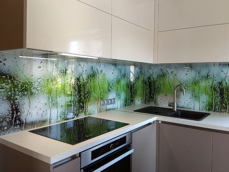 """Mitra stikla"" virtuves panelis"