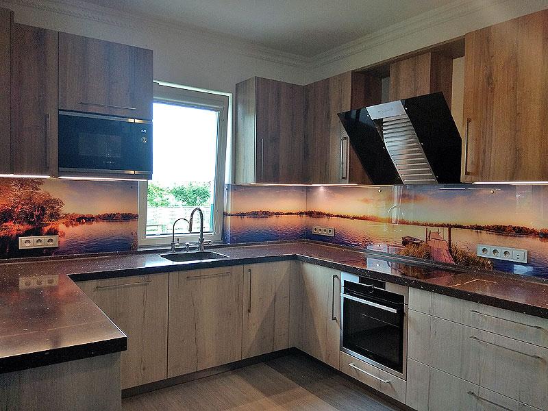 Upes panorāma (virtuves panelis)
